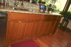 kitchen-cabinets-below-sink